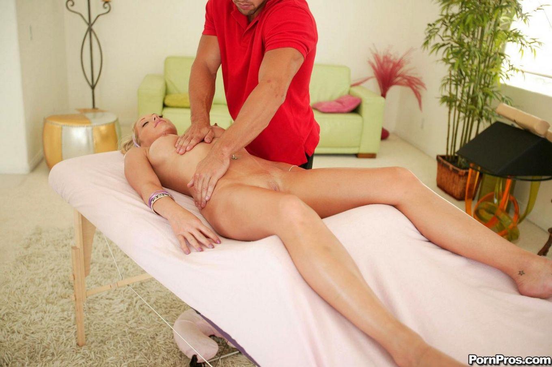 Порно муж привел к массажисту