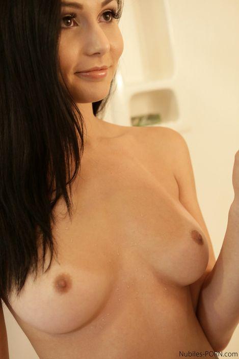 Сплошное страстное порево с милой брюнеткой в сладкую пизденку фото HD онлайн