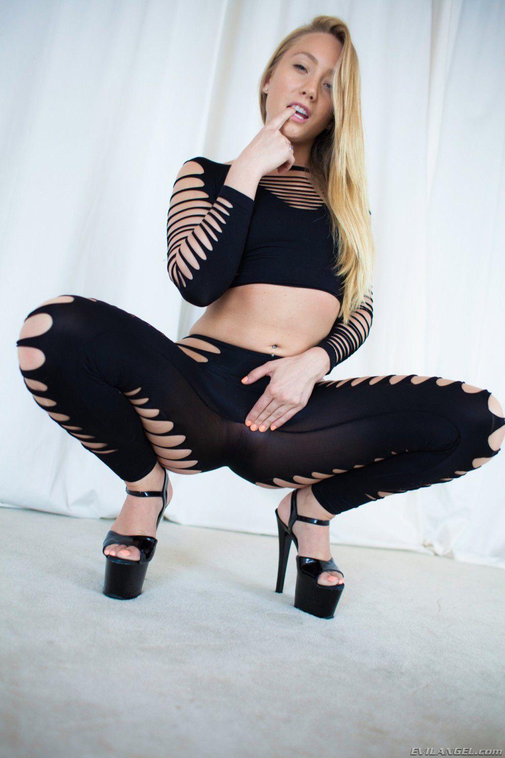 Порно с лесбиянками Adriana Chechik и Aj Applegate
