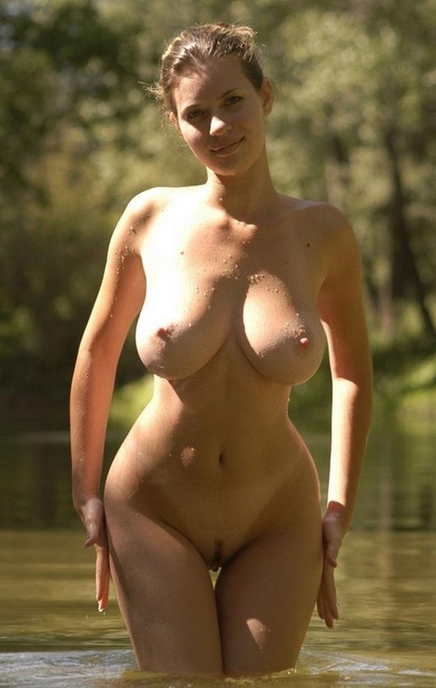 Сексуальные девчушки в красивых и сексуальных трусиках