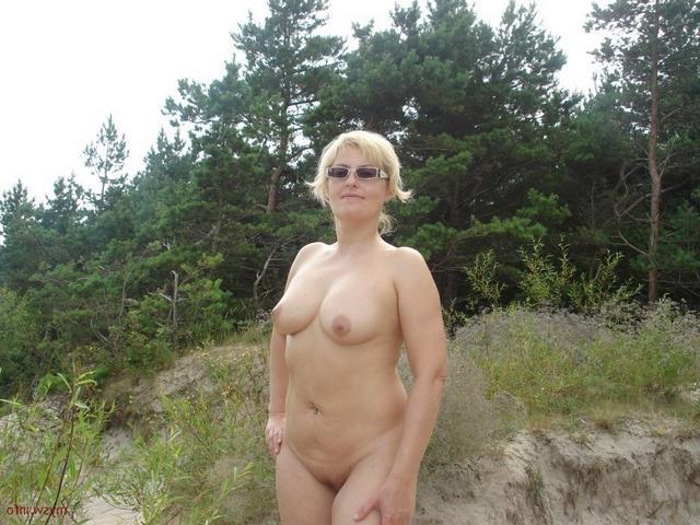 Строптивые зрелые дамы делятся своими голыми фото