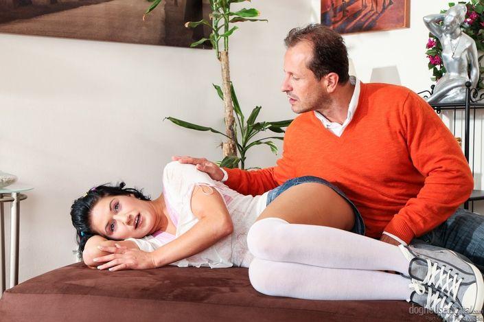 Прикорнула на диване у любовника и вспомнила, что пришла потрахаться