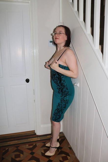 Шикарная дама в очках за тридцатник с прыщами на жопе и голой пиздой и сиськами   46 ХХХ фото
